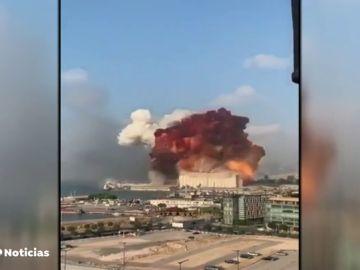 REEMPLAZO Al menos 30 muertos en una potente explosión en Beirut, Líbano