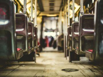 Detenido por abusar de una joven dormida en un autobús en Nerja
