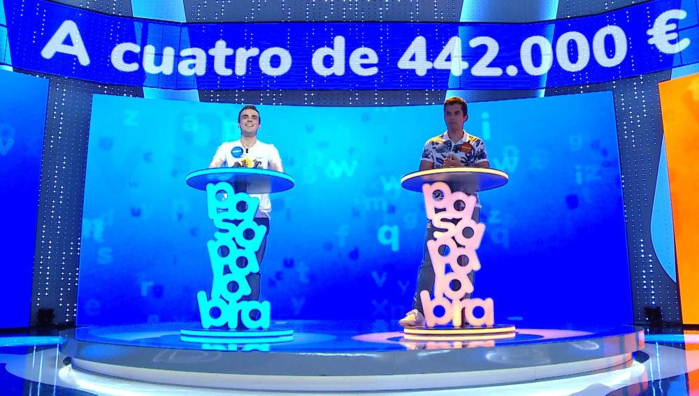 Un error, un acierto sobre la bocina y mucha cautela, así ha sido 'El Rosco' de Nacho y Pablo por un bote de 442.000 euros