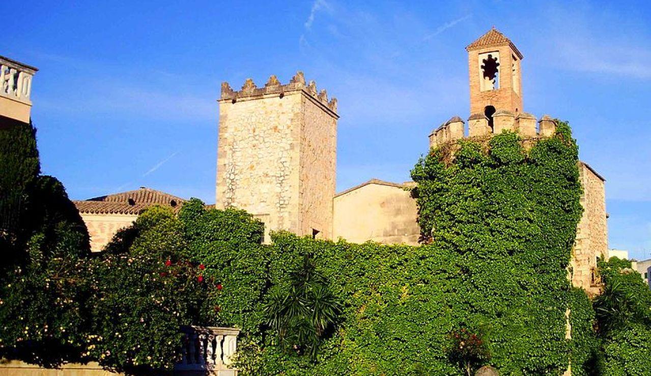 Torres en la Muralla del Pueblo Español