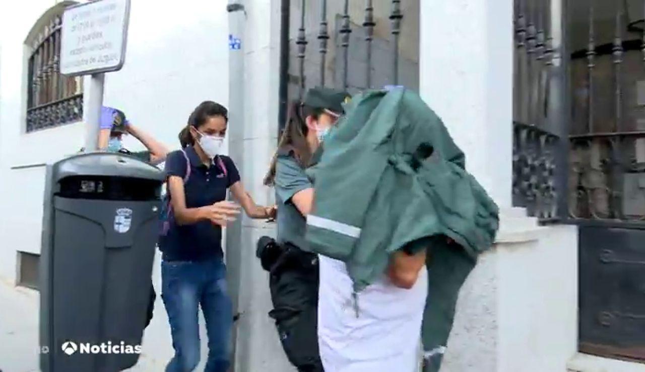 Pasan a disposición judicial el yerno y la hija de la anciana descuartizada en Chapinería, Madrid