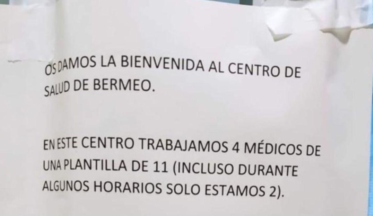 Cartel en un centro de salud en Bermeo