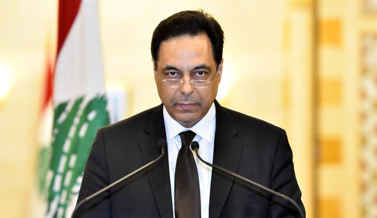 El primer ministro libanés, Hassan Diab, durante su dimisión