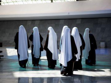 Un grupo de monjas