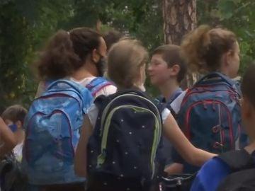 Miles de niños en Alemania regresan al colegio entre mucha incertidumbre por los rebrotes de coronavirus