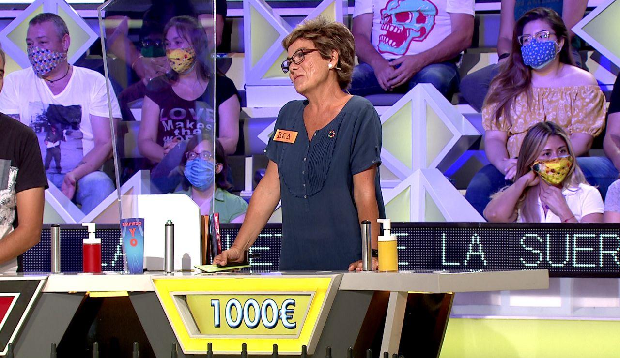 ¡Lo nunca visto! Dani ayuda a su compañera Bea a ganar 2.000€ en 'La ruleta de la suerte'