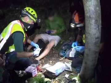 """El complicado rescate de 12 horas de la Guardia Civil a tres senderistas: """"No dábamos crédito"""""""