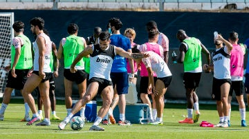 El Valencia anuncia dos positivos por coronavirus en el equipo