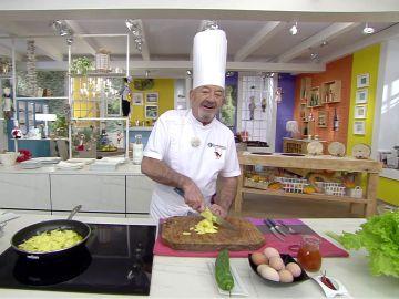 Karlos Arguiñano desvela el toque más sabroso para la tortilla de patatas