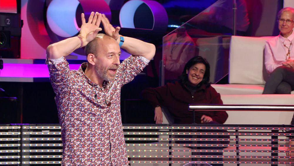 ¿De dónde nace el dicho 'aplaudir con las orejas'?: La curiosa explicación de un concursante de '¡Ahora caigo!'