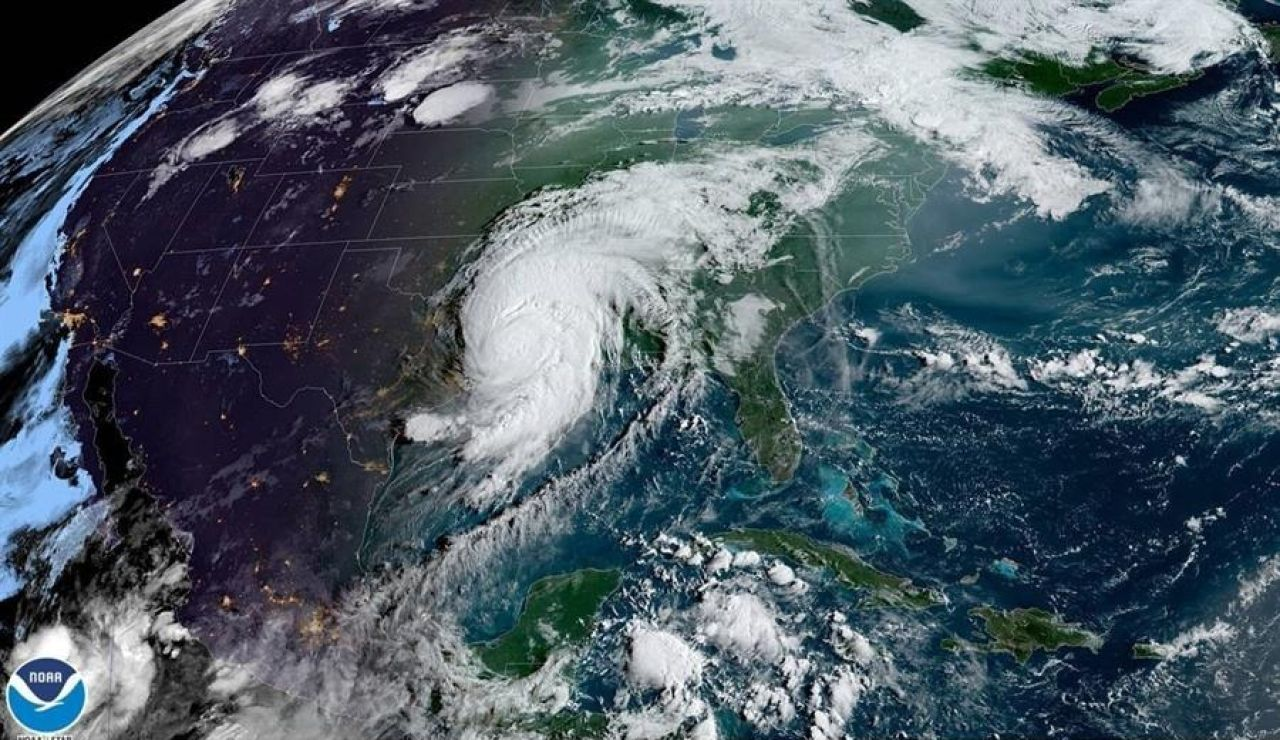 El huracán Laura se degrada a tormenta tropical y deja seis muertos a su paso por Estados Unidos