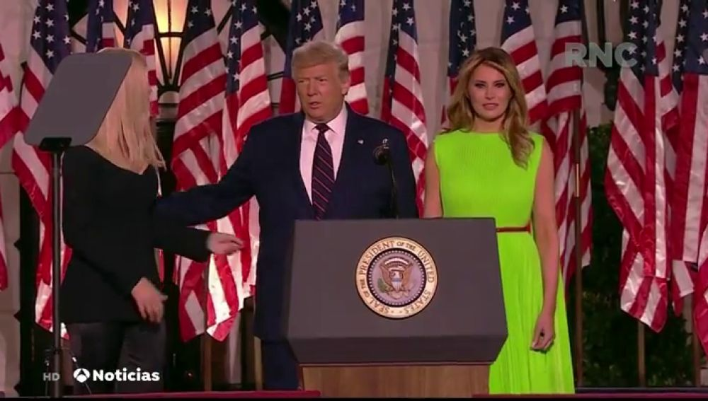 El extraño gesto de Melania Trump al ver a Ivanka