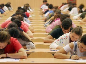 Cuantía y cómo solicitar la beca MEC 2020/21 para la universidad