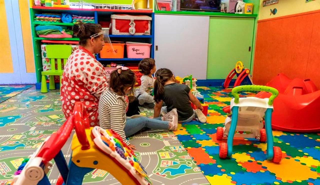 ¿Es segura la vuelta al cole? Riesgos en las aulas para los niños y los padres