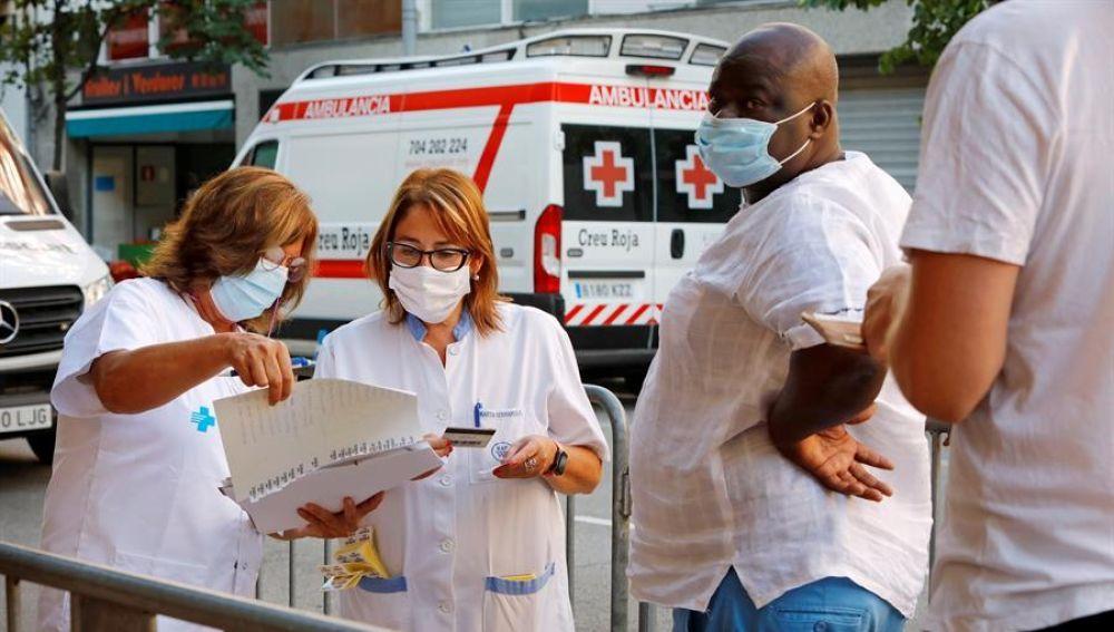 A3 Noticias Fin de Semana (30-08-20) La tasa de riesgo de rebrote en Cataluña supera los 200 puntos, tras notificar en el último día 1.527 nuevos contagios por coronavirus