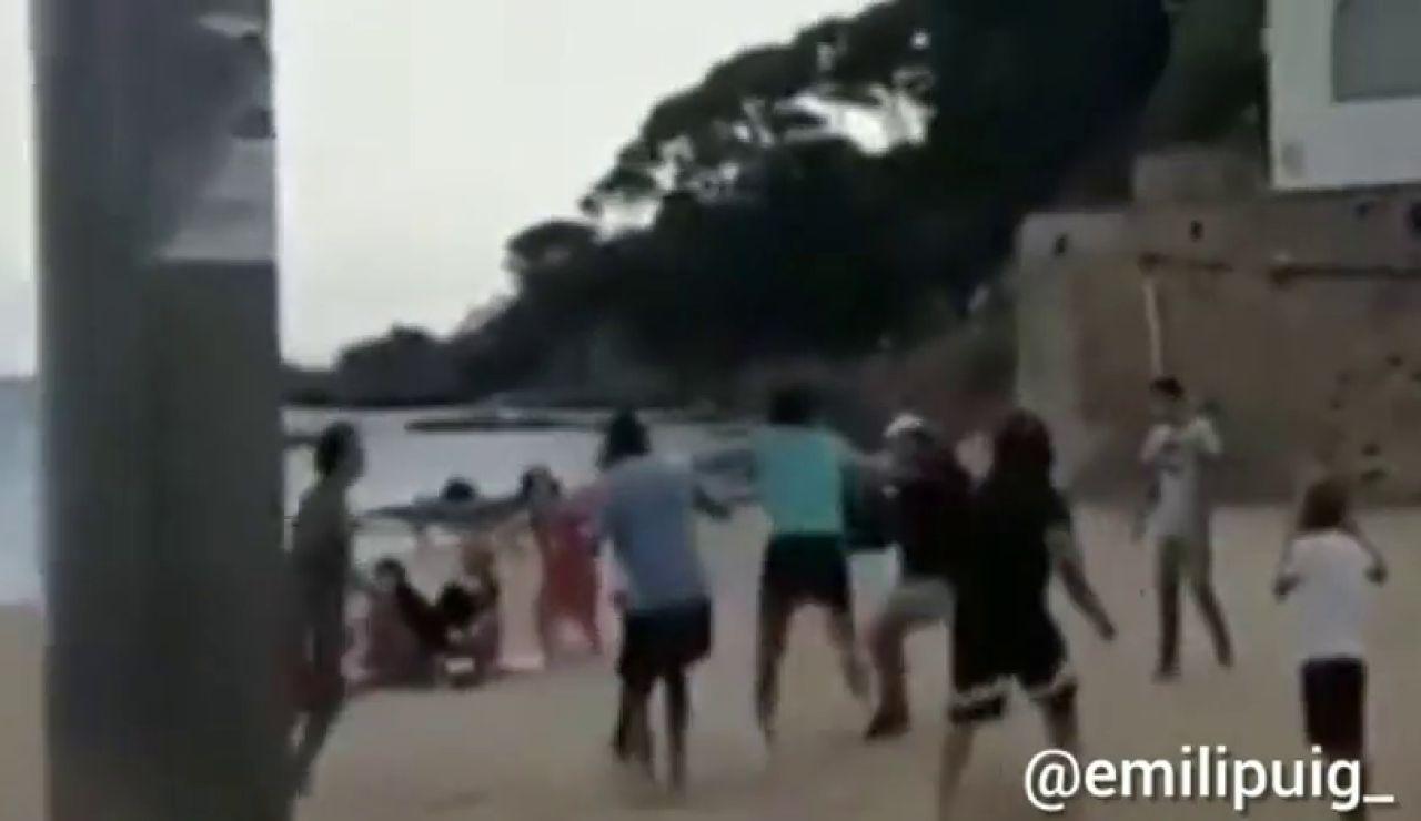 La brutal agresión del dueño de un restaurante en LLafranc a un chico al que se le cayó una pelota en su local