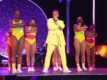 Maluma en su actuación en los premios MTV Video Music Awards