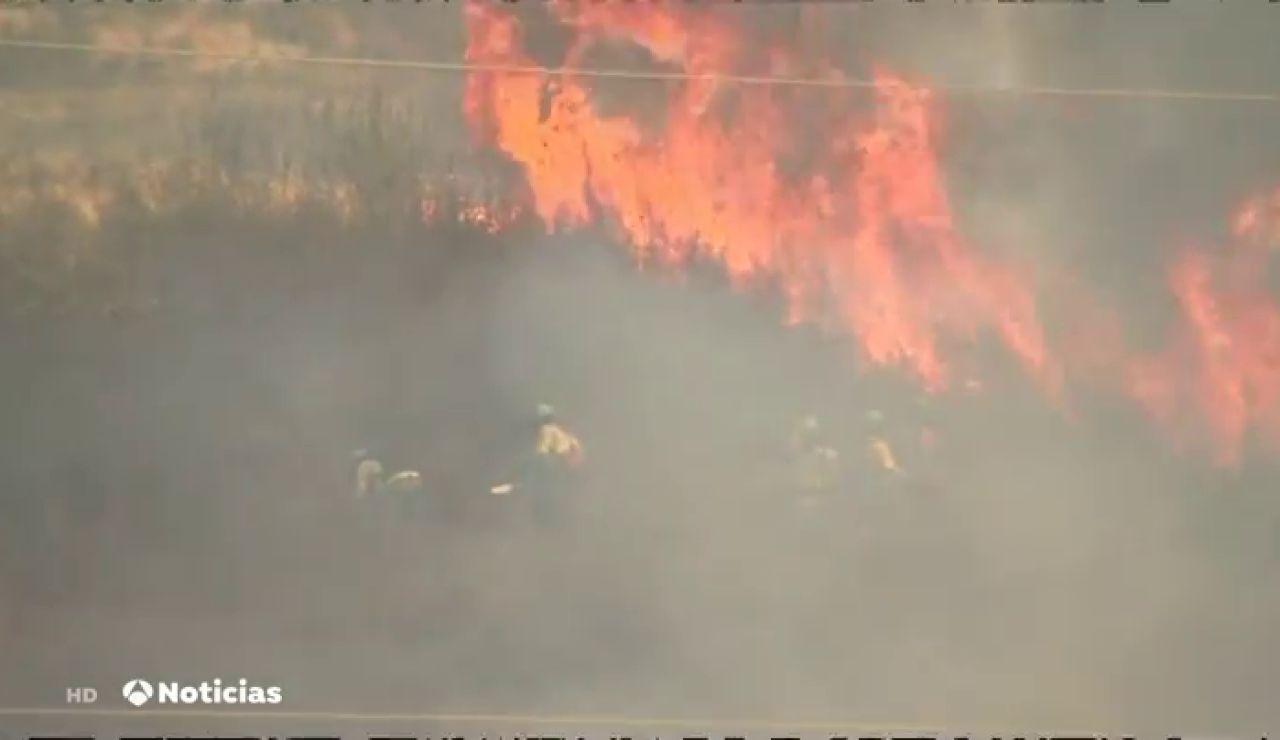 Los desalojados por el incendio de la sierra de Huelva vuelven a casa