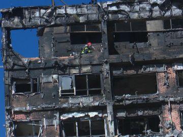Incendio en un edificio de viviendas en Madrid