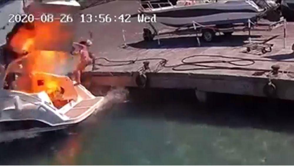 Una mujer salta por los aires tras la explosión de su yate en Italia