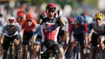 Cadel Ewan gana al esprint en Sisteron y Alaphilippe sigue líder del Tour de Francia
