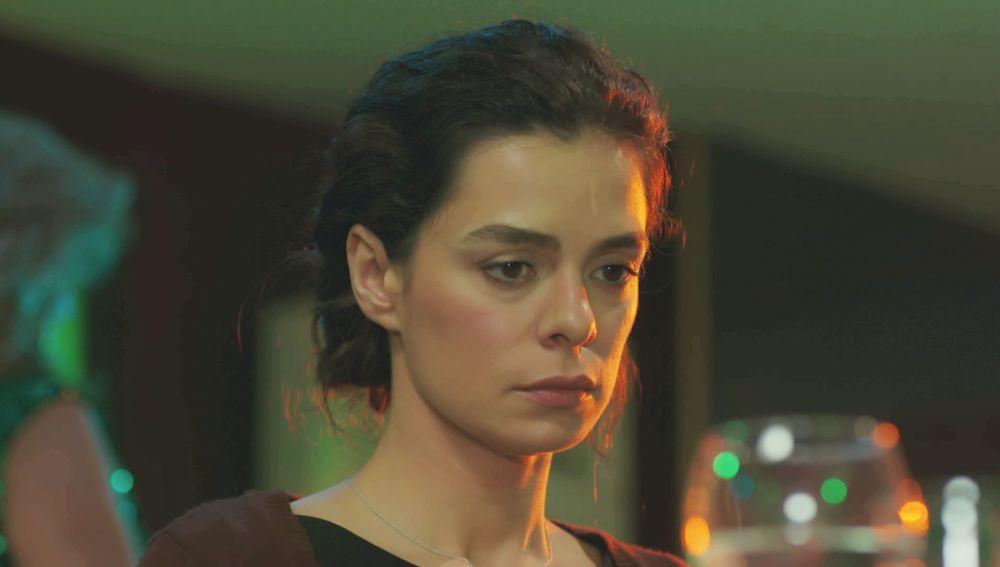 Bahar recibe la sorprendente llamada de la presunta amante de Sarp: ¿descubrirá que es Sirin?