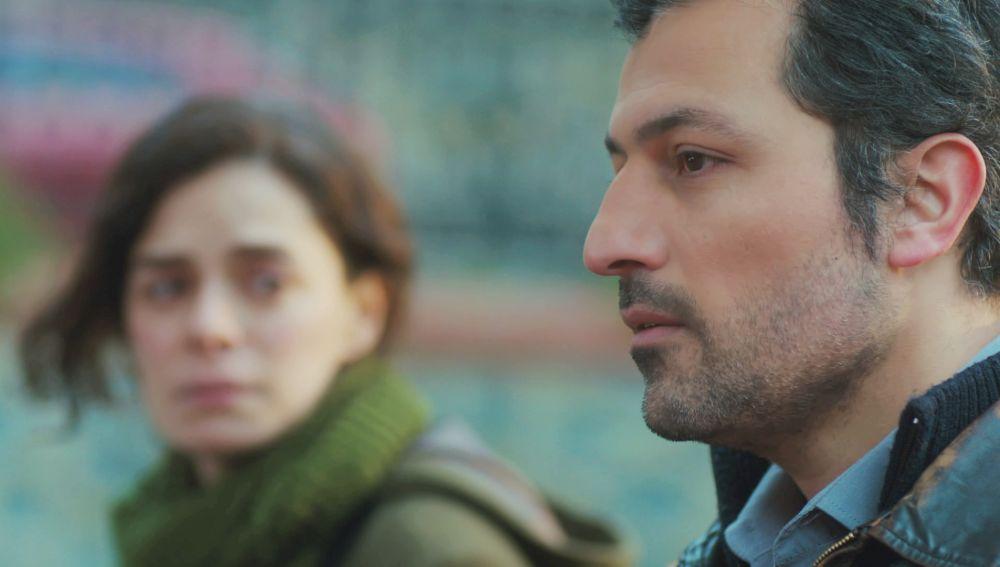 Arif confiesa a Bahar la historia de amor y traición que le rompió el corazón