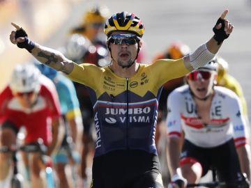 Primoz Roglic gana el primer final en alto del Tour de Francia