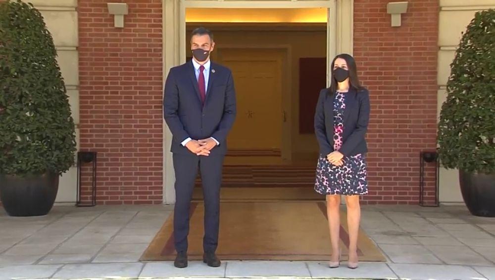 Comparecencia de Inés Arrimadas tras su reunión con Pedro Sánchez, streaming en directo