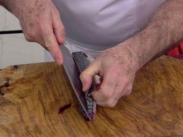 Karlos Arguiñano te enseña la mejor forma de limpiar rápidamente el pescado