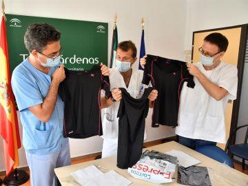 Así funciona la camiseta fabricada en Almería para hacer frente a las secuelas del coronavirus