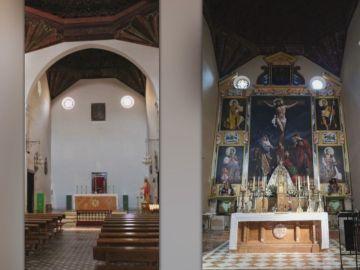Polémica en Guadix (Granada) por el nuevo retablo de la iglesia pintado con las caras del cura, del pintor y de dos devotos