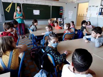 Francia cierra 22 colegios por casos de coronavirus cuando registra casi 9.000 nuevos positivos en las últimas 24 horas