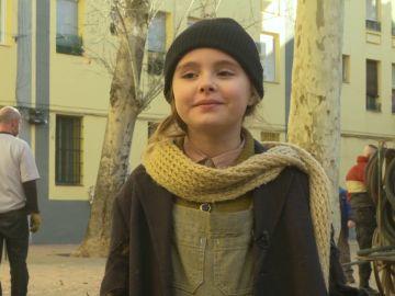 """Laura Quirós da vida a la pequeña Marta en 'La Valla': """"Es una niña muy inocente"""""""
