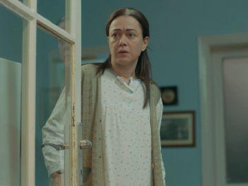 Avance de 'Mujer': Hatice descubre que Sirin no ha pasado la noche en casa