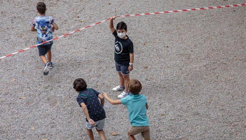 Niños en el recreo