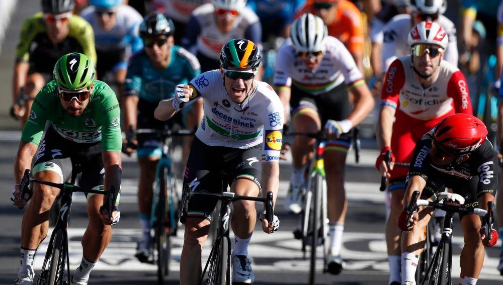 Sam Bennett celebra su victoria en la etapa 10 del Tour de Francia