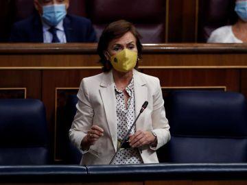 Carmen Calvo asegura que no está encima de la mesa congelar el sueldo a los funcionarios