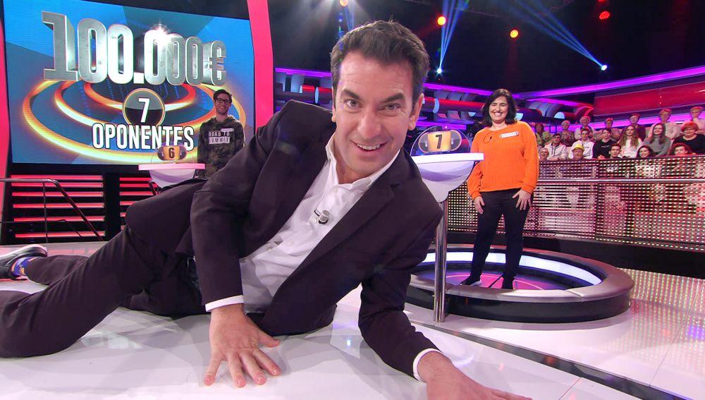 Arturo Valls, a punto de dejarse sus 'pilotes': su guiño al youtuber Miquel Montoro en '¡Ahora caigo!'