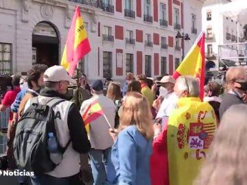Abucheos a Pedro Sánchez al llegar a la Comunidad de Madrid para reunirse con Isabel Díaz Ayuso