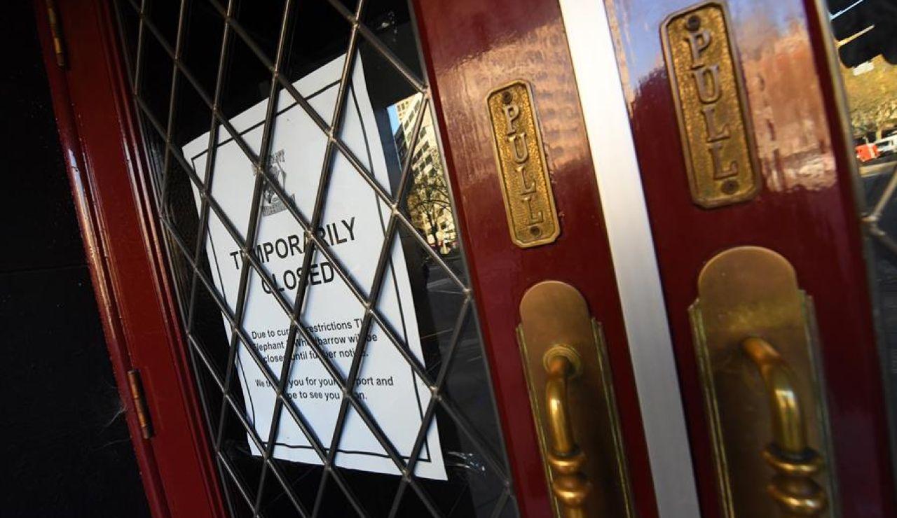 Reino Unido cerrará bares y restaurantes a las 10 de la noche por el coronavirus