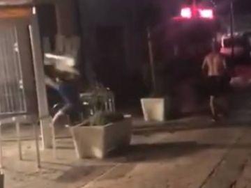 Batalla campal entre okupas y vecinos en Casabermeja, Málaga