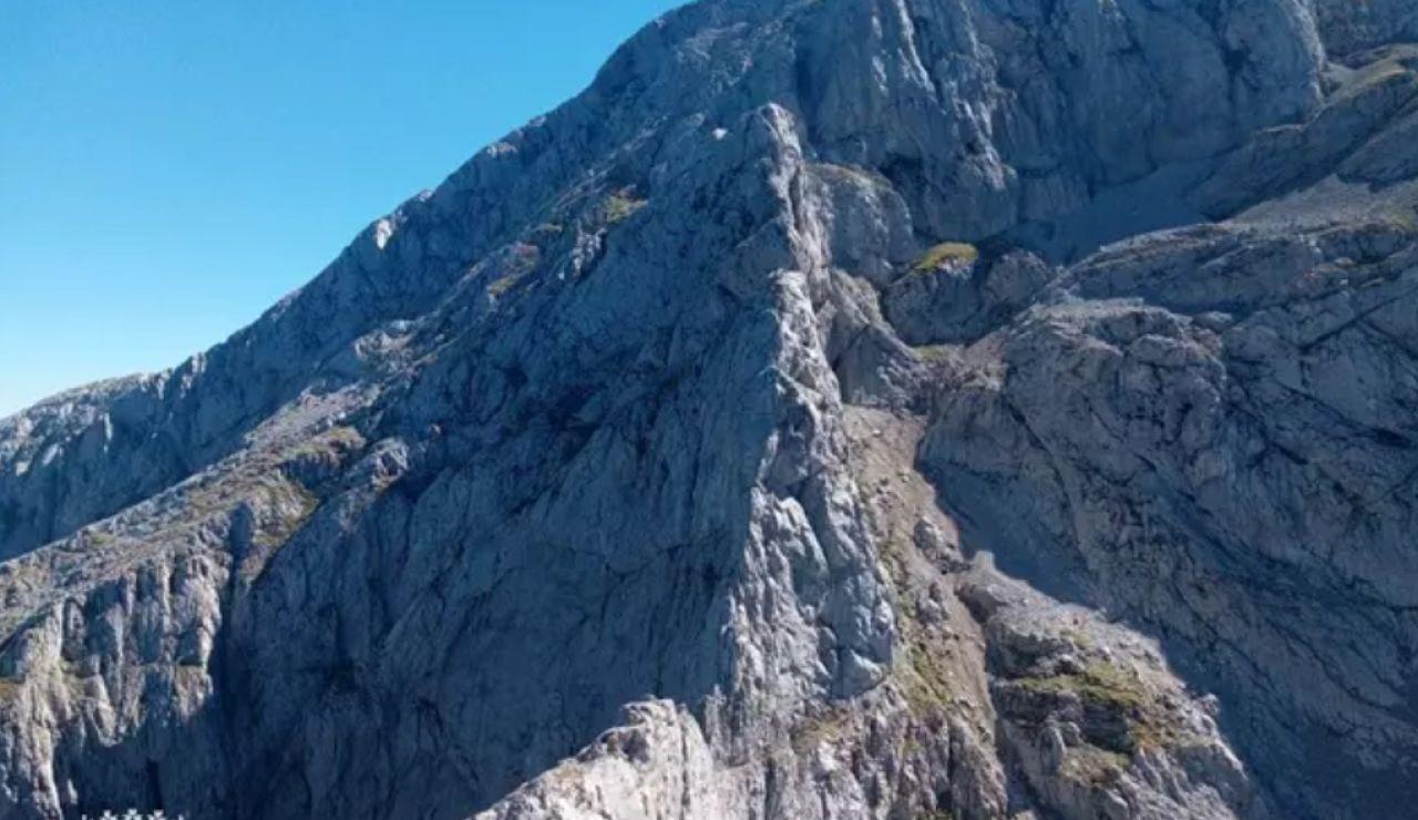 El peligroso rescate a dos montañeros vizcaínos en el Espigüete (Palencia) sorprendidos por una tormenta con agua y niebla