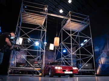 Marron llena el plató de 'El Hormiguero 3.0' de emoción con el péndulo en caída libre sobre un coche