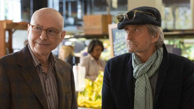 Alan Arkin y Michael Douglas en 'El método Kominsky'