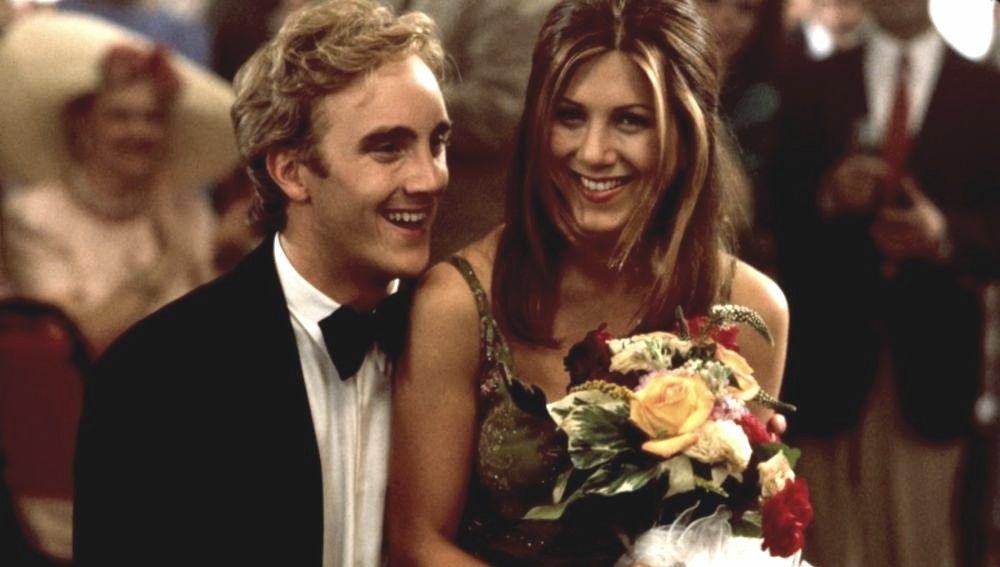 Jay Mohr y Jennifer Aniston en 'Picture Perfect'