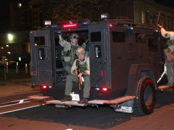 Dos policías heridos de bala en las protestas en Louisville tras la absolución en el caso Breonna Taylor