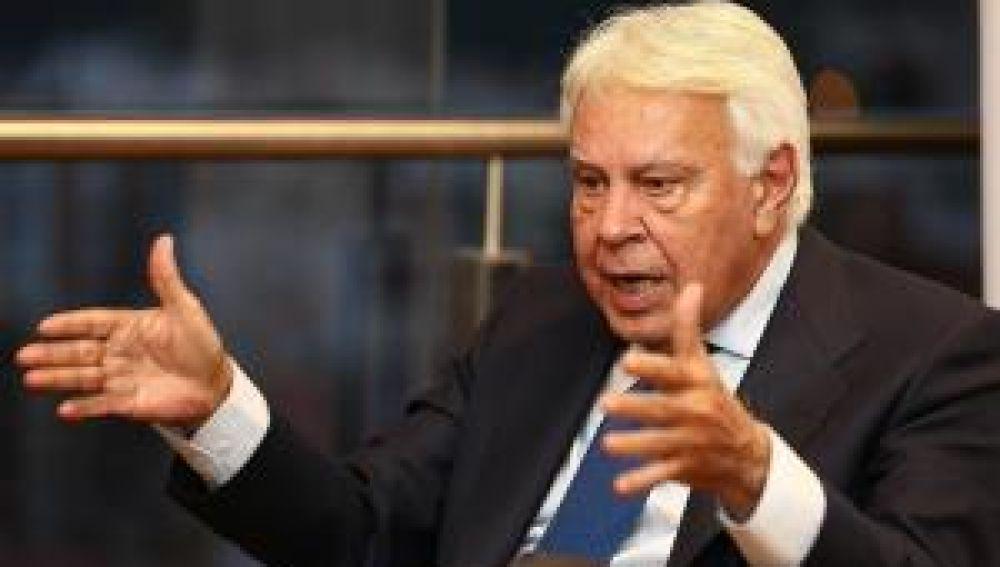 Felipe González critica a Pablo Iglesias