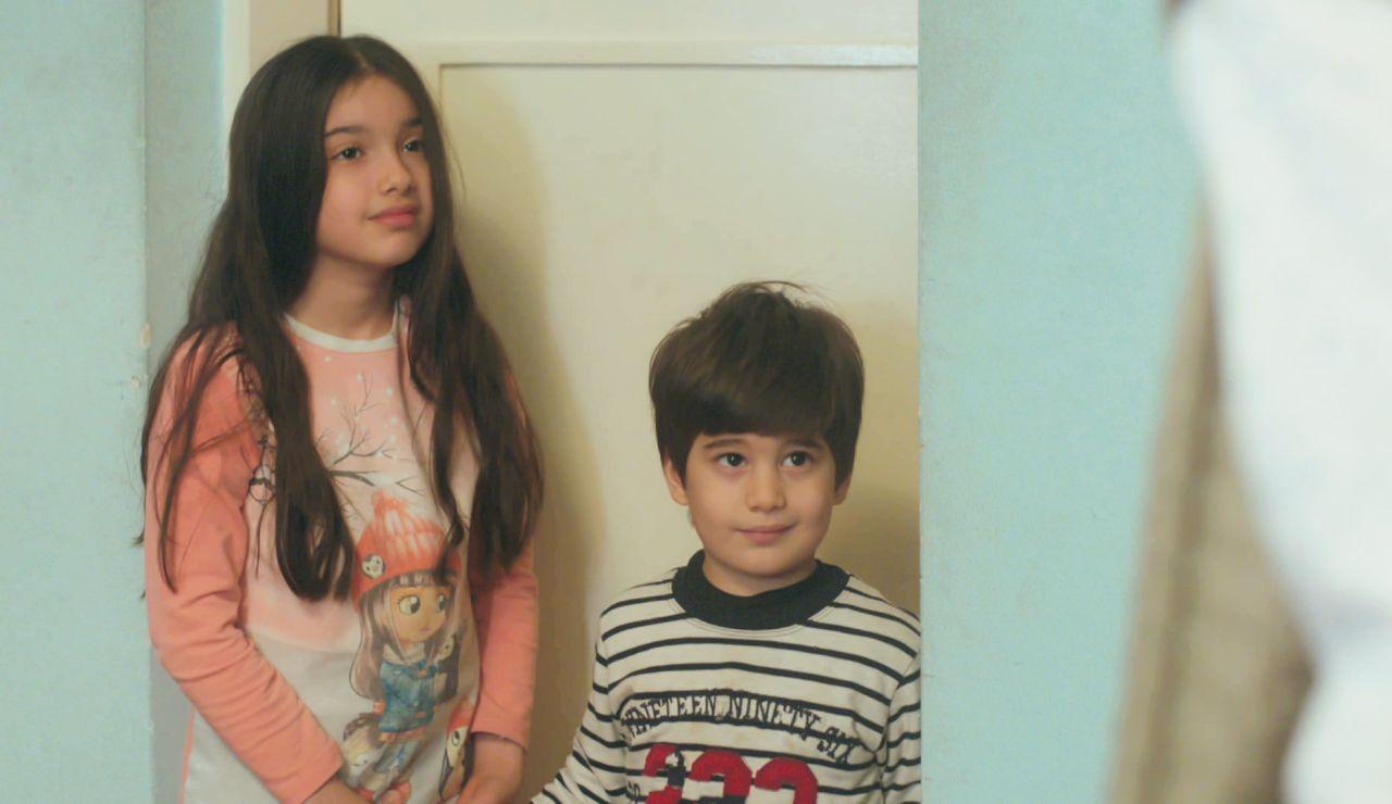 Te cautivarán: los momentos más dulces y entrañables de Nisan y Doruk, los hijos de Bahar, en 'Mujer'