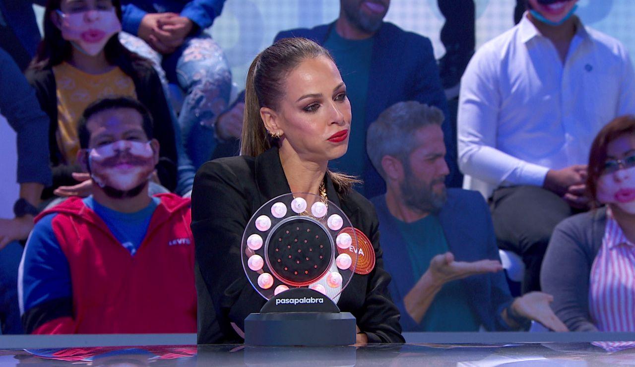 """El divertido rifirrafe de Roberto Leal y Eva González: """"Vamos a llevarnos bien, yo no voy a 'La Voz' y agarro las sillas de los coaches"""""""